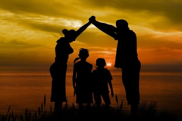 """Konkurs dla organizacji pozarządowych działających na rzecz rodziny pod hasłem """"Rodzina jest najważniejsza"""""""